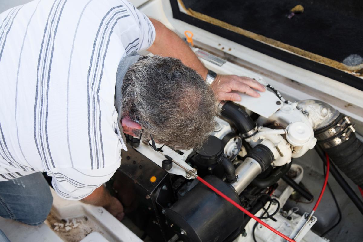 Service, Wartung und Reparatur von Bootsmotoren, Bootsgebtriebe und vielem mehr im Boots-Center-Limmer